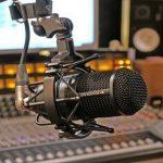 Novena volta a ser transmitida por rádio FM