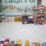 Devotos doam alimentos no Domingo do Quilo