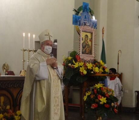 Fotos da santa missa no sexto dia do IV Novenário e Festa da Padroeira de MS